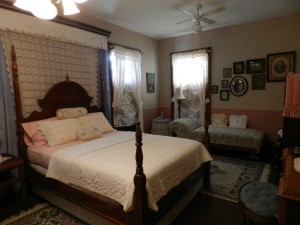 Kellygreen Bed & Breakfast guestroom Pine View
